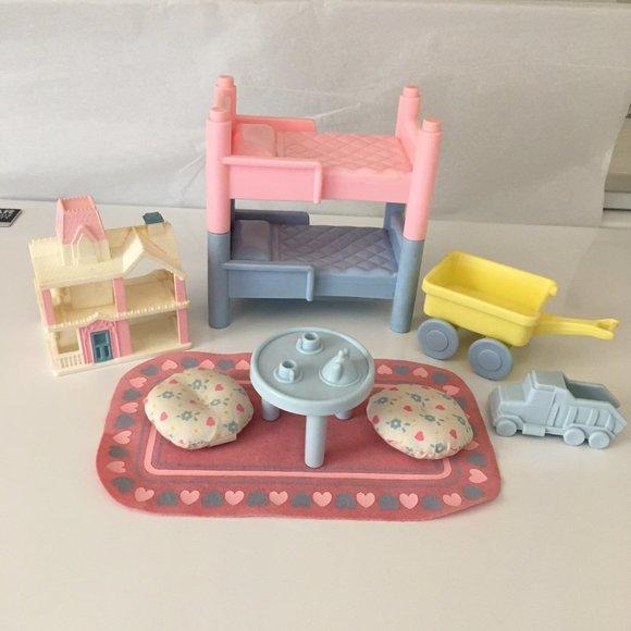SOLD!!  VTG Playskool Dollhouse Bunkbeds